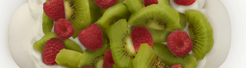 Pavlova framboise et kiwi